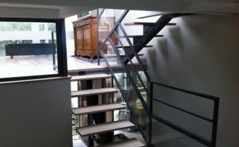 Réalisation d'un escalier au design contemporain dans les Hauts-de-Seine