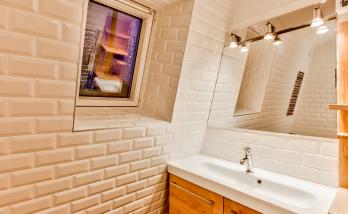 salle de bains type retro grâce aux carrelage type métro