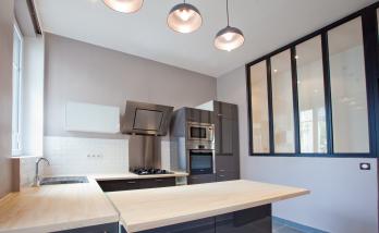 Rénovation de la cuisine d'un appartement haussmannien pour un client expatrié en Asie